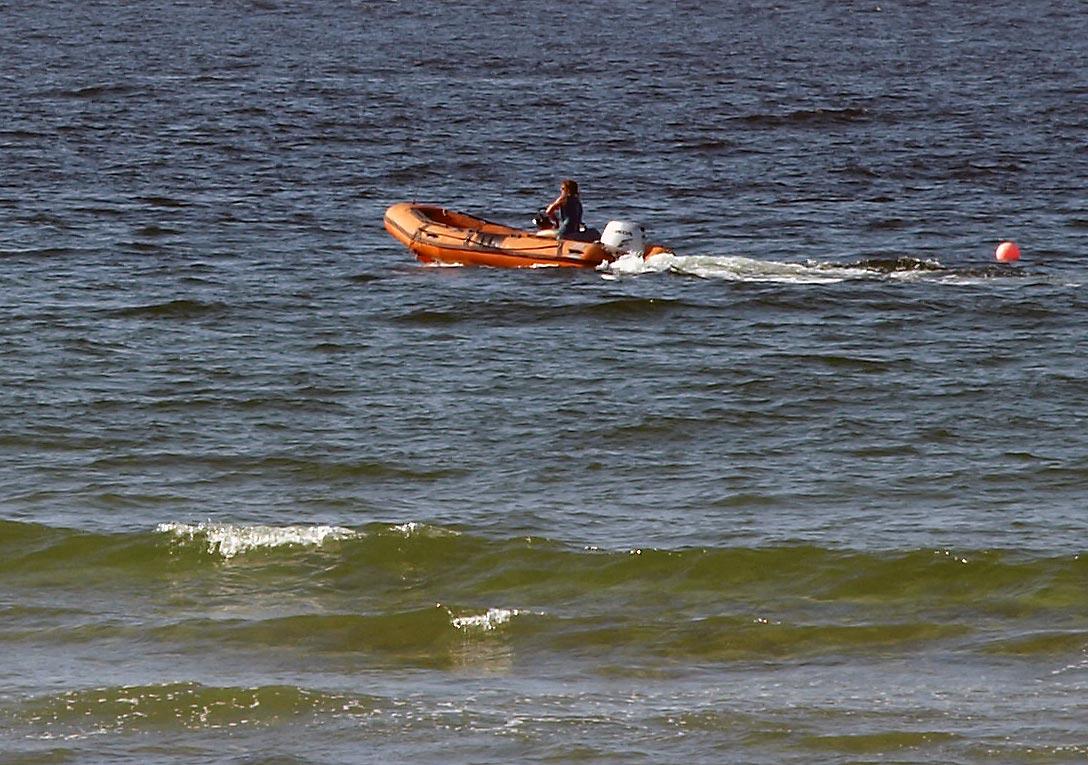 Auf der stralen See ist das Denkvermögen wie ein Korken ausgeliefert | Bild: Heinz Knotek / TrinosophieBlog