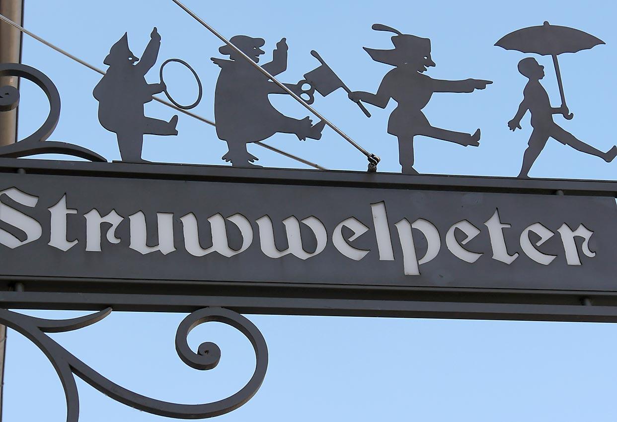 Struwwelpeter: vernünftige Bräuche und Regelungen heute als Benachteiligung deklarieren | Bild: Heinz Knotek/TrinosophieBlog